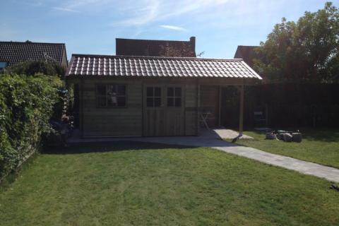 Tuinhuis zadeldak met oversteek - JD Houtconstruct